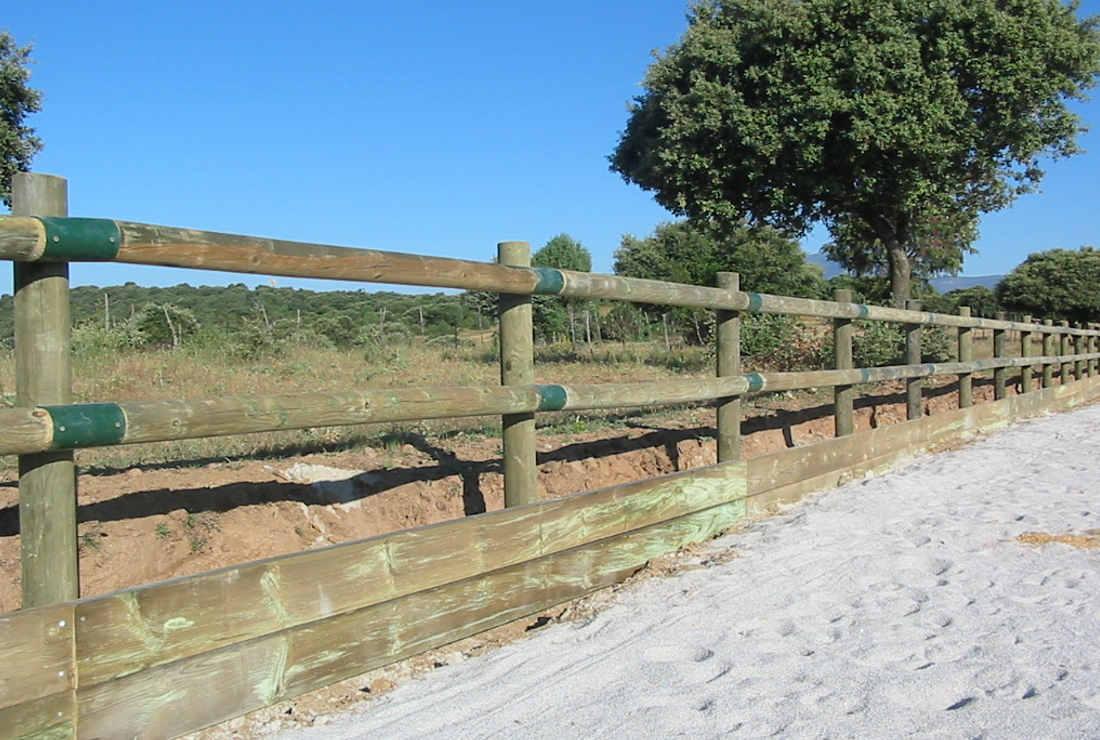 Talanqueras y vallas impregnaciones y montajes s l - Cierres de madera para fincas ...