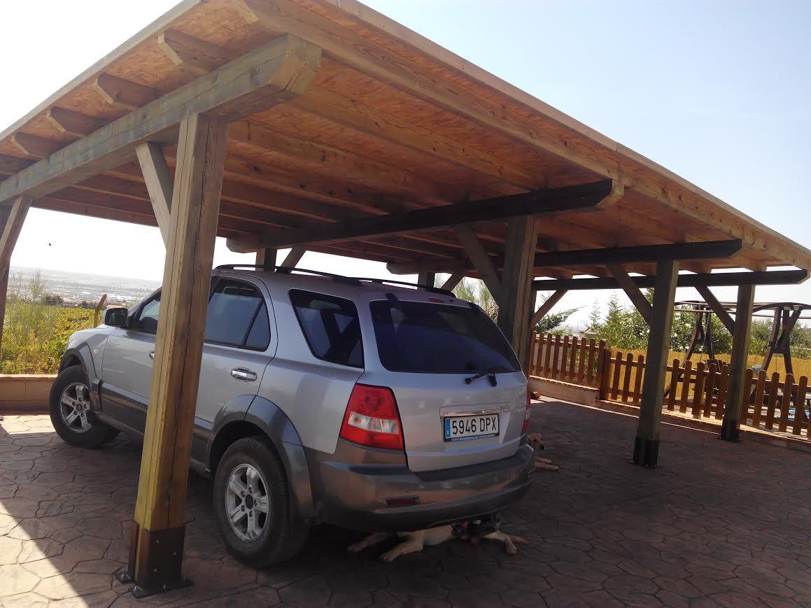 aparcamiento de madera